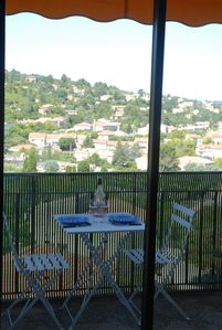 Photo for 2BR Apartment Vacation Rental in Apt, Provence-Alpes-Côte-D'Azur