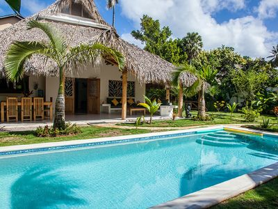 Photo for Near the Ocean and Restaurants, accommodates 8, private pool, power inverter!