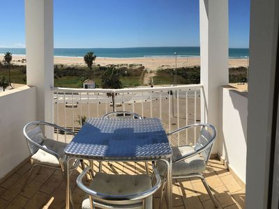 Photo for Beachside apartment in Conil, sleeps 4. 2 terraces with sea view