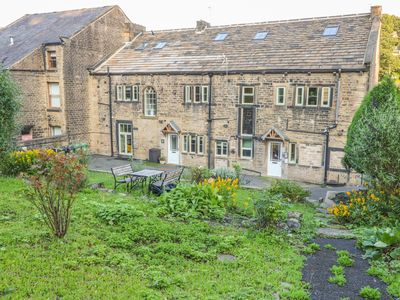 Photo for Park View Cottage, HOLMFIRTH