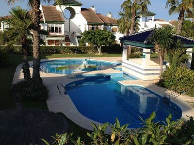 Photo for Quiet house 700 m from the sea, air conditioning, shared pool, near Torrevieja