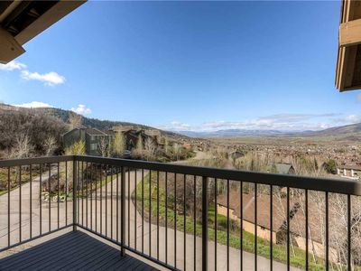 Photo for Beautiful Top Floor Condo! Private Balcony w/ Summer Valley Views and Gas Grill!