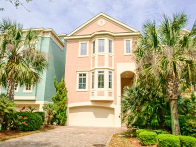 Photo for New Listing On Hilton Head Island - Very Close To The Beach (Sleeps 21 In Beds)