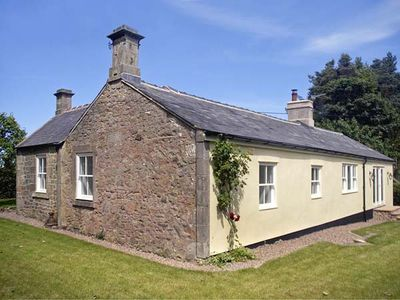 Photo for THE LAKE COTTAGE, family friendly in Belford, Ref 903956