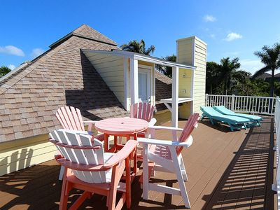 Photo for Three Bedroom Private Home Located on the Beach Side of Captiva
