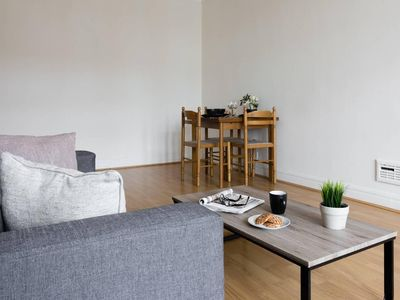 Photo for 2BR flat in Putney/ Fulham Close to Tube
