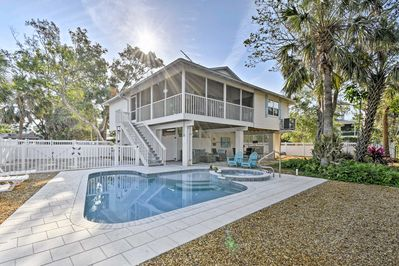 This luxury 2BR, 2-bath home in Anna Maria is the ultimate beach getaway.