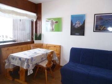 Live serenely the mountain; A nice apartment for skiers