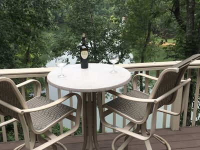 Photo for Lake Front Private setting close to I-75 and Twin Cove Marina