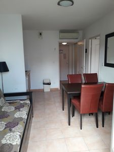 Photo for Appar. F2 comfortable, at the foot of the city. Free parking.