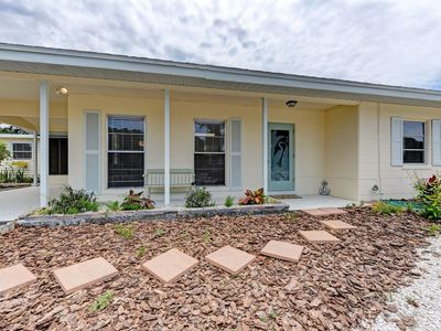 Photo for Sunny and Private Coquina Cottage, Nokomis Beach 2 mins to Gulf beach