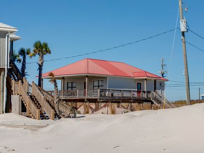 "Photo for ""Sands of Time"" Wonderful Beachside Cottage! Great View! Pet Friendly! Sleeps 8!"