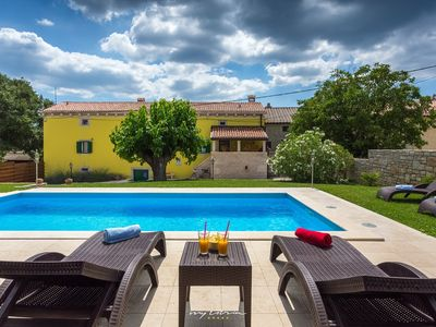 Photo for 4BR Villa Vacation Rental in Visnjan, ISTRA