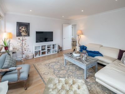 Photo for Beautiful Spacious 3 bed 2 bath in Earl's Court
