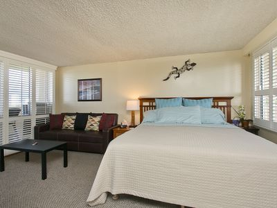 Photo for Diamond Head Beach Hotel - Queen Bed Studio, Awesome Ocean View!