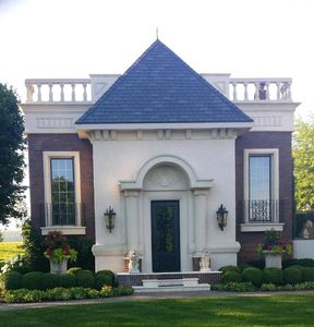 Luxury Guesthouse ~ Chateau Mirabelle in West Omaha