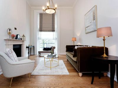 Photo for Modern flat sleeps 6 with Notting Hill and Hyde Park on its doorstep (Veeve)