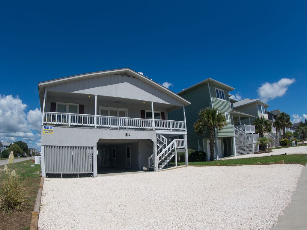 Show virtual tour canal kitchen living room pool - Canal Ocean View With Pool Newly Renovated Kitchen Close Walk To Beach Downtown Take A Virtual Tour