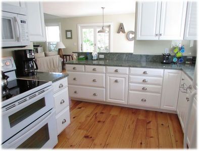 Kitchen recently renovated for even the most demanding gourmet!