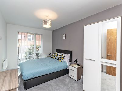 Photo for Halo House - 3 bed apartment that sleeps 8 guests