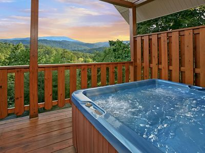 Near Pigeon Forge, Secluded, FREE Area Attraction Tickets.