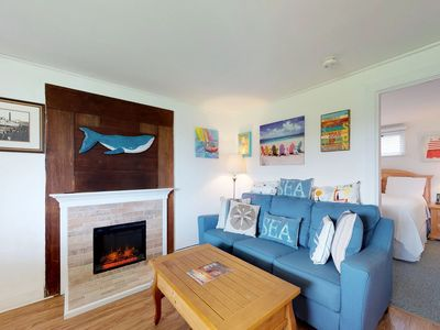 Photo for Cozy condo near the beach with shared pool, tennis, grills, and more!