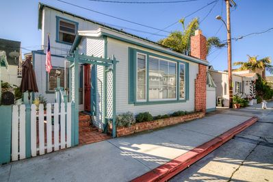 Exterior - This charming home is located in the heart of Balboa Island.