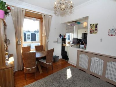Photo for 3 Bedroom Flat Near Leith