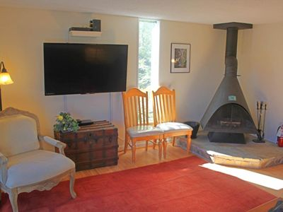 Photo for Spacious tri-level condo w/views of golf course & pond, easy access to ski slope