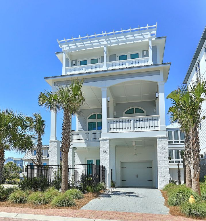 5 Key Components Of A Mellow Beach Kitchen: Listen To The Gulf From Your Balcony * Private Pool