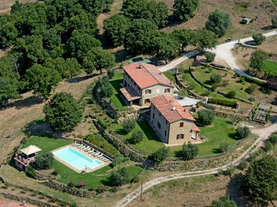 Photo for Villa val di luce, on the shores to Lake Trasimeno, with private pool