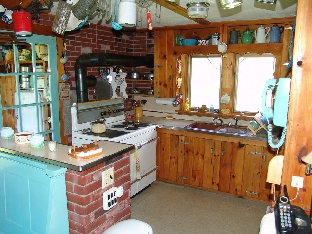Peace and Serenity Await You at this Lakeside Cottage on Beautiful Newfound Lake