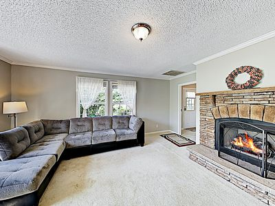 Hidden Gem w/ Leafy Grounds, Screened Porch, Fire Pit & 2 Living Areas