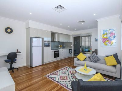 Photo for Mount Hawthorn: Perfect City Pad!