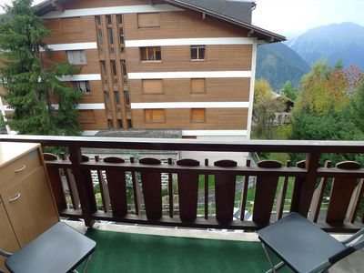 Photo for Nice apartment ideally located on the 2nf floor of a building in the center of Verbier. Composition