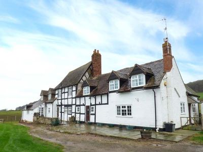 Photo for THE FARMHOUSE, character holiday cottage in Ledbury, Ref 933655