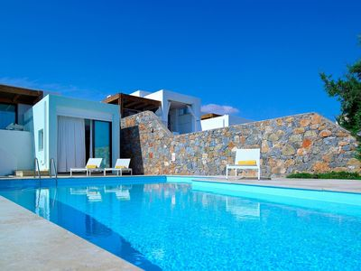 Photo for Luxury 3 bedroom villa with heated pool