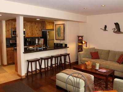 Photo for Beautiful Lake Forest Condo, 2Bd / 2Ba, Pool, Hot Tub, Close To Lake And Town.