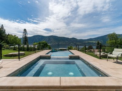 Photo for Dog-friendly w/private infinity pool and hot tub & amazing lake, mountain views!