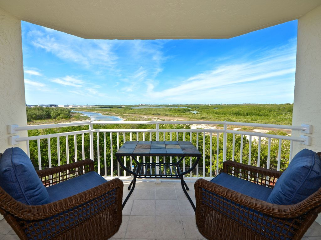 Cayo Cruz Suite Beautiful Key West condo with pool and hot tub access!
