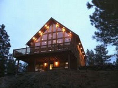 Photo for Rustic Country Lodge Getaway...