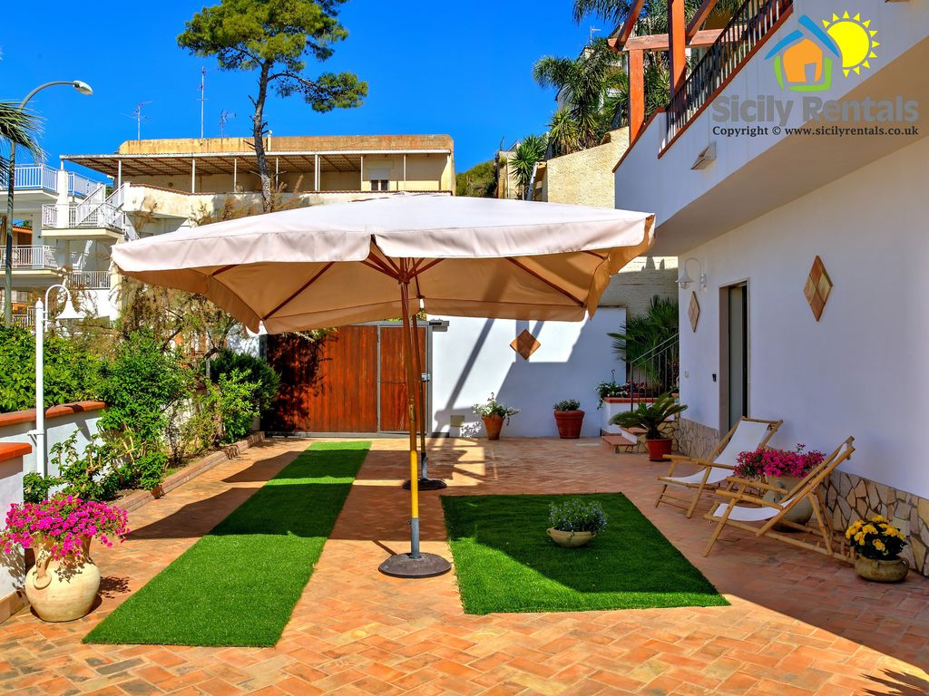 Beautiful Apartment With Big Outdoor Space Few Steps From The Beach Eraclea Minoa