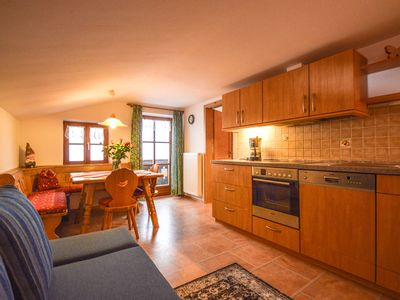 Photo for Apartment for 1-4 people, shower / toilet, balcony, TV, WiFi, non-smoking, top floor