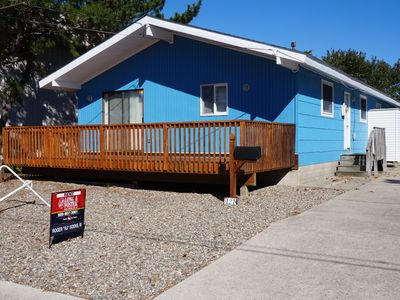 Photo for Cozy Rancher located just 2 short blocks to the beach.