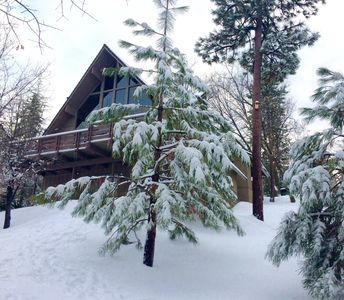 Photo for Cozy Mountain Chalet Perched at the end of a quiet Cul-de-Sac with Forever Views