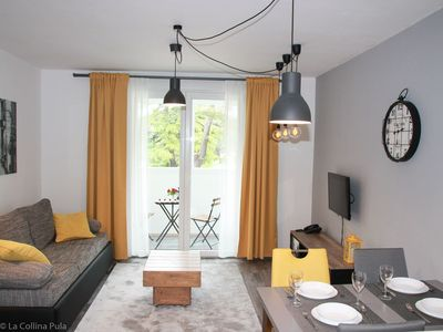Photo for Beautiful and modern apartment in the very center of Pula