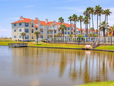 Photo for Dog-friendly condo w/ shared pool & fitness center - close to beach access!