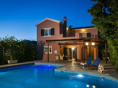 Photo for Villa Thalia, close to beach with Wi-Fi, A/C, BBQ and private swimming pool
