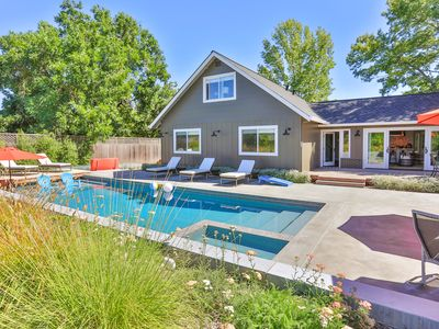 Photo for Modern Retreat! 4BR w/ Pool, Hot Tub, Fire Pit - 5 Min to Sonoma Square