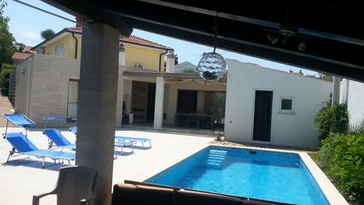 Photo for Beautiful holiday home with pool & whirlpool, 400m to the beach, WiFi